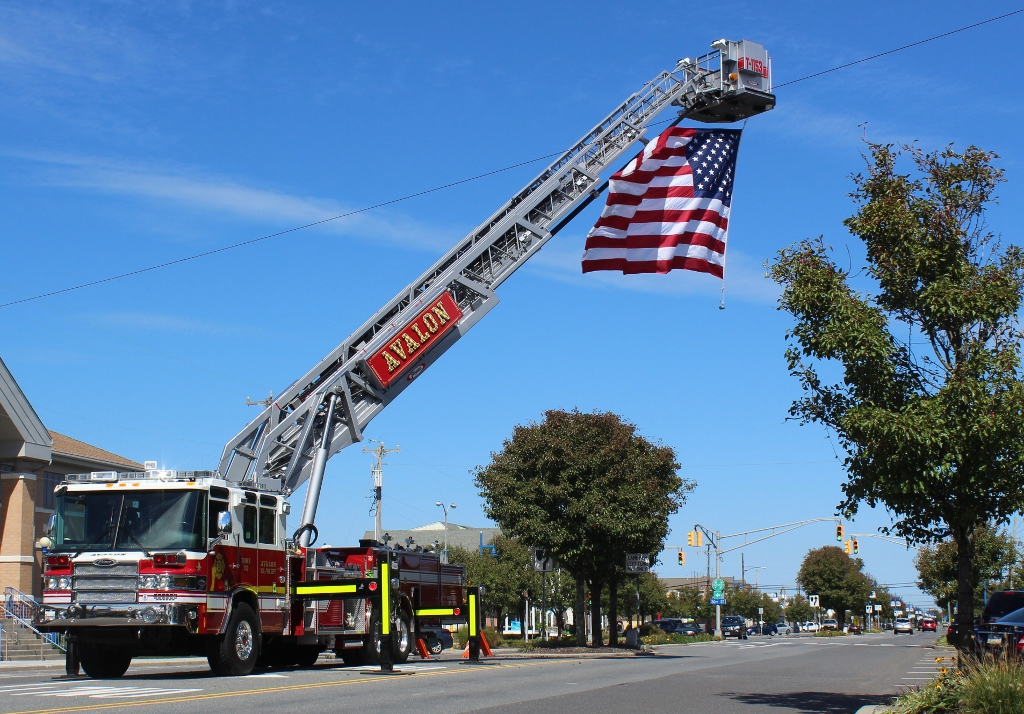 Americanflagonfiretruck Avalon New Jersey - Avalon truck